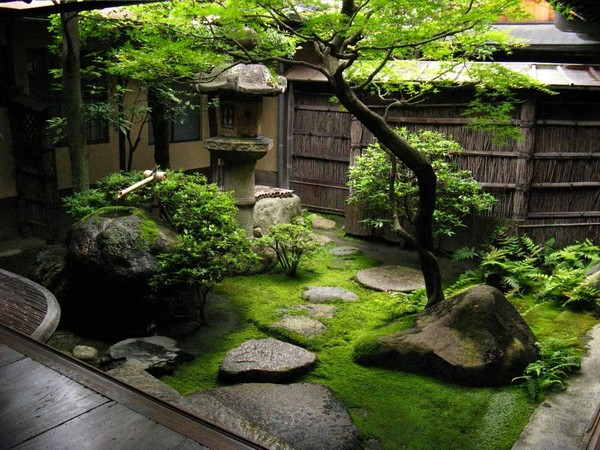 Ландшафтный дизайн возле дома своими руками. 12 популярных стилей с описанием (40 фото и 3 видео)